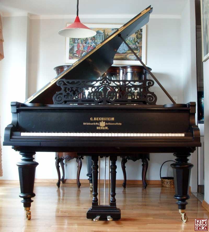 Antique_Piano_Bechstein_Grand.jpg