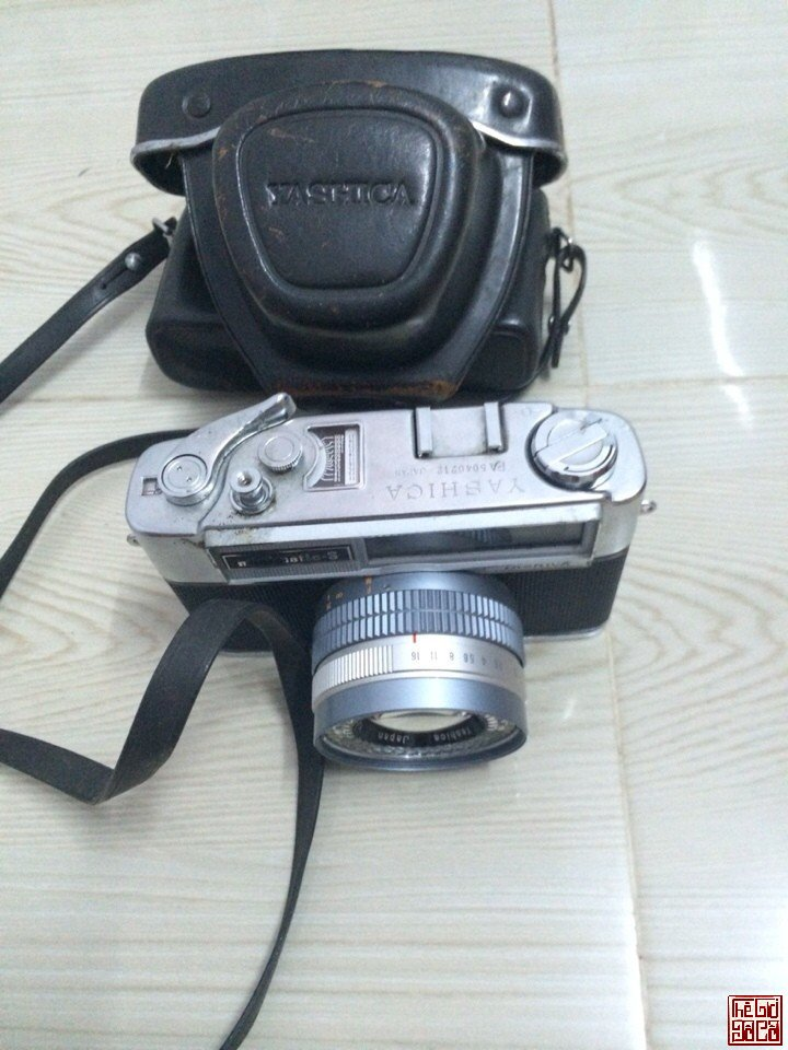 Yashica minimatic-s 1963 (3).jpg